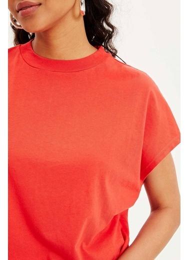DeFacto Yüksek Yaka Kısa Kollu T-shirt Kırmızı